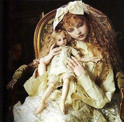 Аня и её куклы